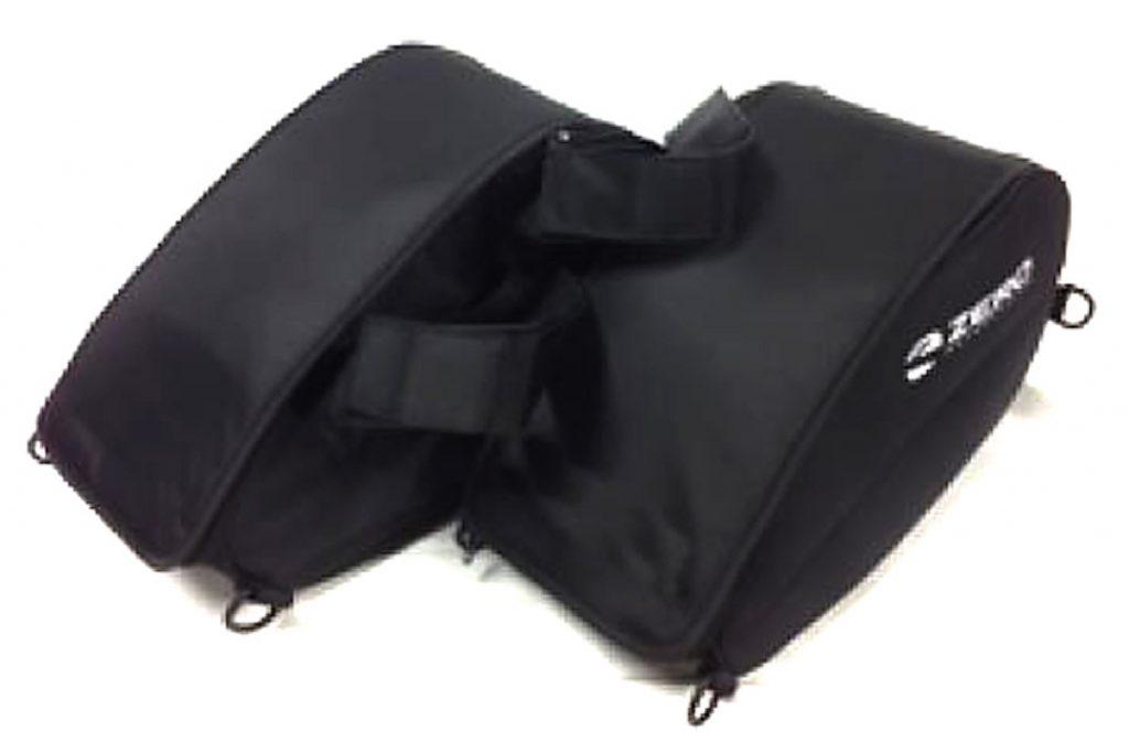 Zero mjuka sadelväskor med regnskydd – 1 995 kr. Passar alla Zero-modeller och är lätt att lyfta av med enkla snabbfästen.